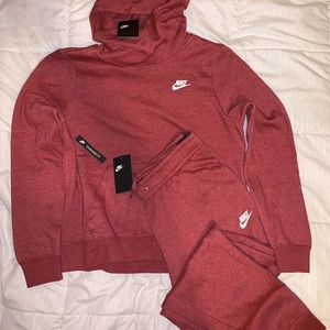 NWT NIKE OUTFIT